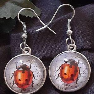Cabachon Lady Bug Earrings 🐞🐞🐞🐞🐞